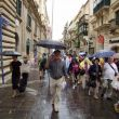 Regendag. Republic Street in het oude Valletta